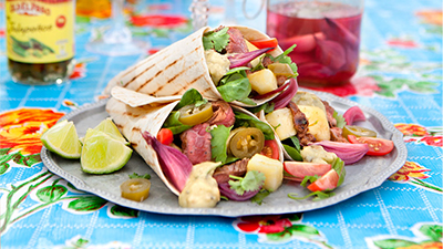 fajitas-with-flank-steak-and-pickled-red-onion
