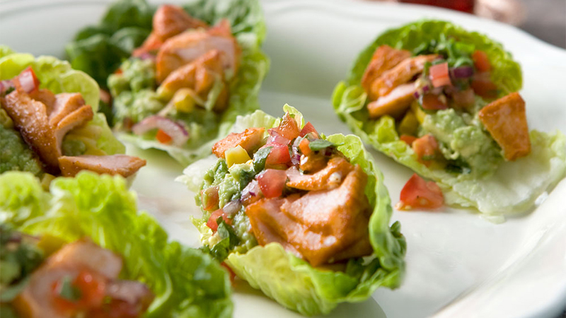 taco-salmon-in-crisp-lettuce-leaves