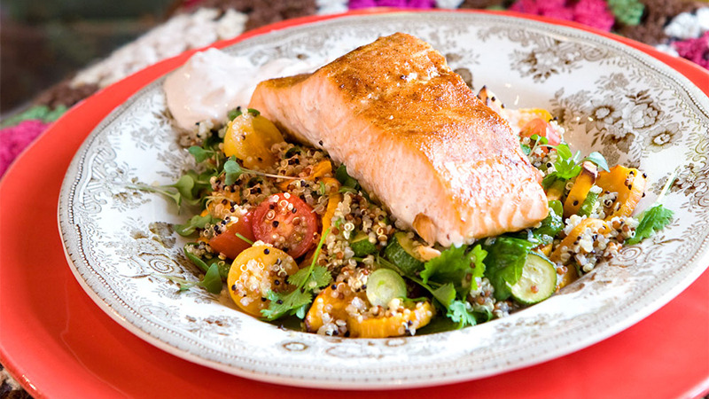 fajita-spiced-salmon-with-quinoa-salad