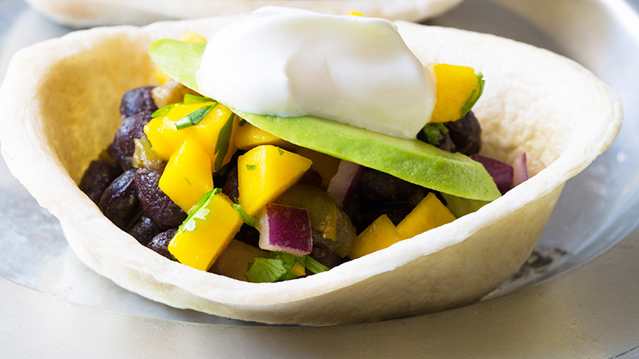 mini-black-bean-tacos-with-mango-pico-de-gallo